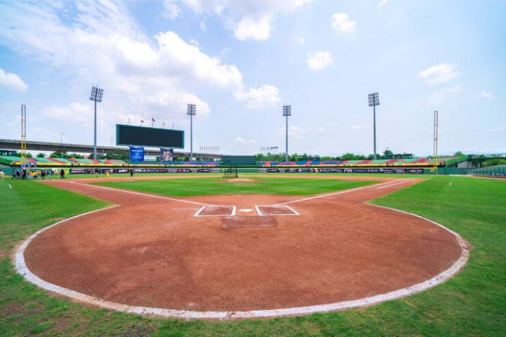 slow-summer-sports-baseball