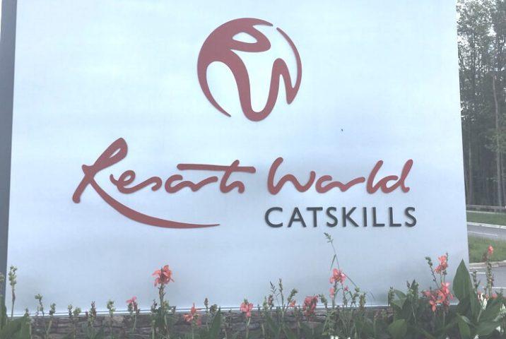 resorts-world-catskills-sign2