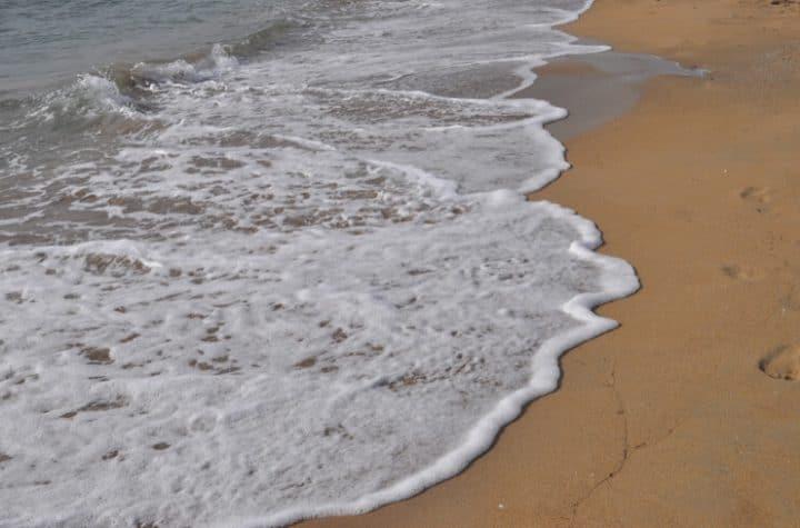ocean water ebb