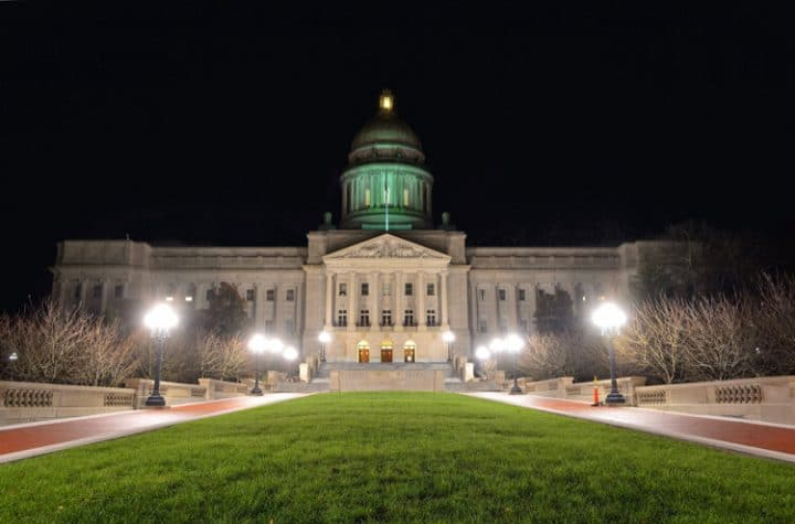 kentucky state capitol building at night