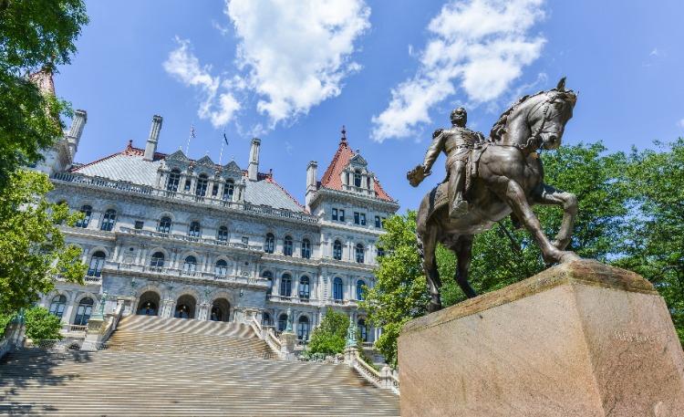 New-York-Capital-Building