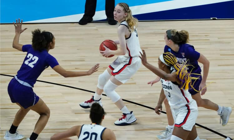 paige bueckers uconn basketball