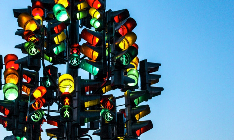 red green yellow traffic lights